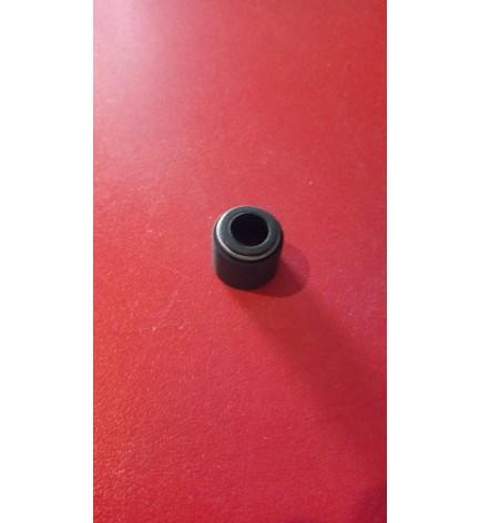Маслоотражатель (сальник клапана)